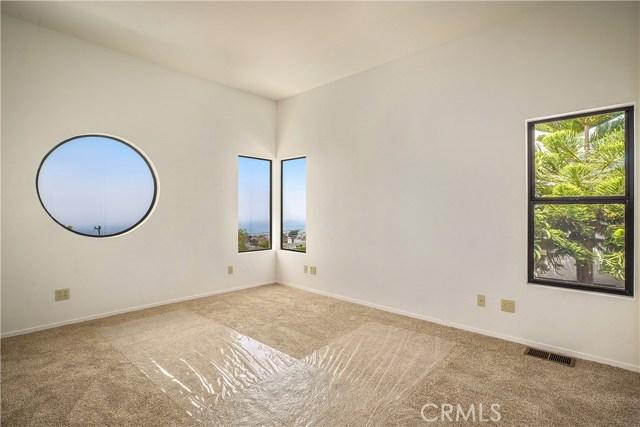 Guest Bedroom, all Ocean Views.