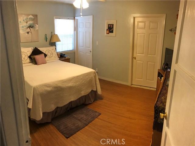 9400 Alexander Avenue, South Gate CA: http://media.crmls.org/medias/25859bdf-a3e3-4dd6-9548-5ffd6edd3032.jpg