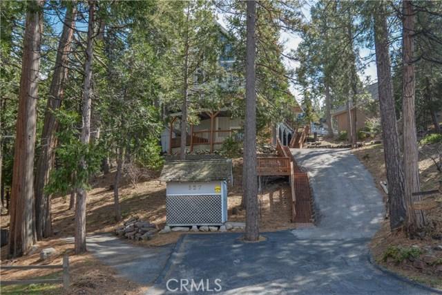 527 Rainier Road, Lake Arrowhead CA: http://media.crmls.org/medias/258af7bd-1c80-473c-b603-f4fce137f35a.jpg