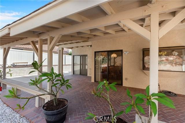 572 Brittany Drive, Corona CA: http://media.crmls.org/medias/2591151e-4dd3-43a4-a4a8-75b446c56e8c.jpg