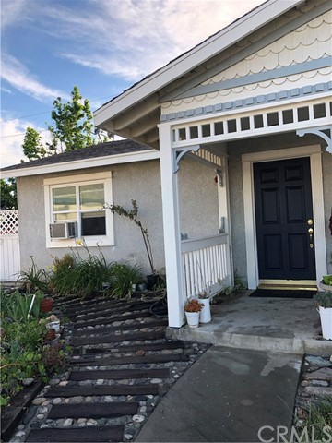 7500 Henbane Street, Rancho Cucamonga CA: http://media.crmls.org/medias/259b3a07-999f-4ee9-9685-c3b2469e75da.jpg