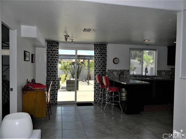 74110 Velardo Drive, Palm Desert CA: http://media.crmls.org/medias/259fc2de-dd39-4566-8f7d-e79889ff5779.jpg