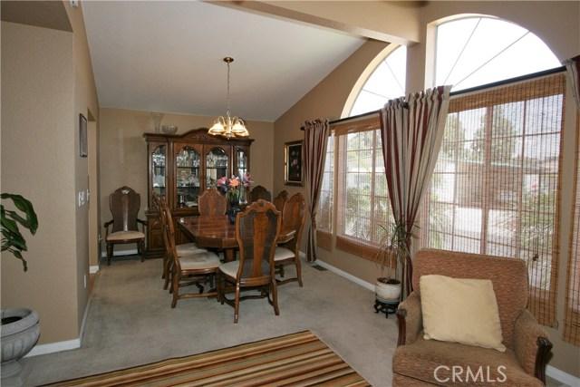 24001 Muirlands Boulevard, Lake Forest CA: http://media.crmls.org/medias/25a74ac7-04d0-49c7-b6e3-1f0e89fa8043.jpg