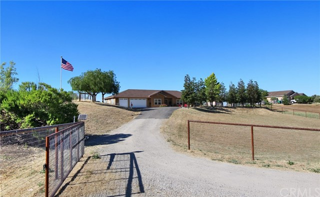 5675 Reindeer Place, Paso Robles, CA 93446