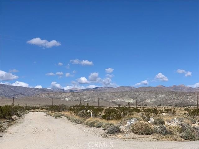 16529 15th Ave, Desert Hot Springs CA: http://media.crmls.org/medias/25b869bc-4a20-4a69-b91d-6c01832e109d.jpg