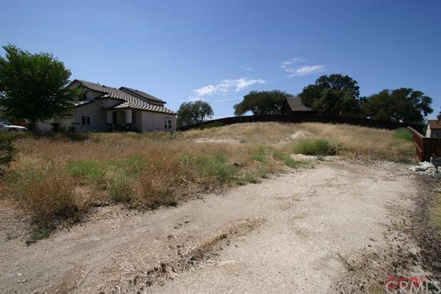 Additional photo for property listing at 673 Red Cloud  Paso Robles, California 93446 United States
