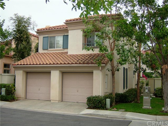 Single Family Home for Sale at 10750 Holderman Ct St Tustin, California 92782 United States