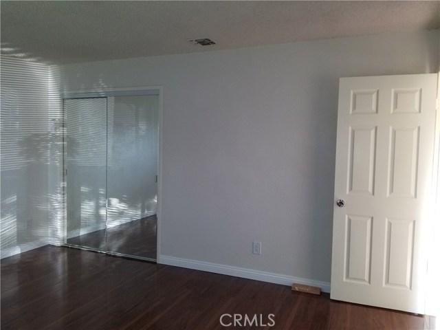 5608 N Willard Avenue, San Gabriel CA: http://media.crmls.org/medias/25df12fa-8803-4eb6-ae4d-9d2b46aa05be.jpg