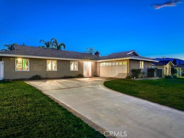 314 W Hacienda Drive  Corona CA 92882