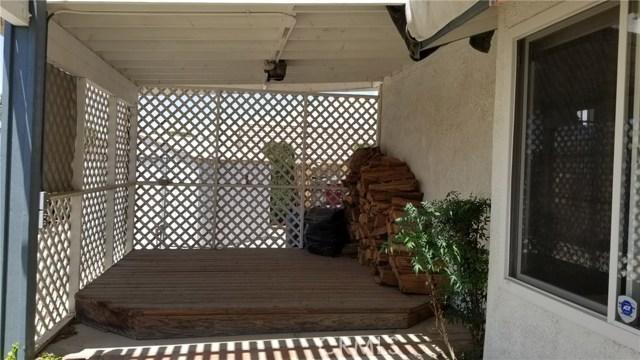 11170 Redwood Avenue, Hesperia CA: http://media.crmls.org/medias/25e46184-6033-47ed-8422-d9d3a8ea8f12.jpg