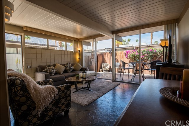 1111 E Palm Canyon Drive Unit 321 Palm Springs, CA 92264 - MLS #: OC18075579
