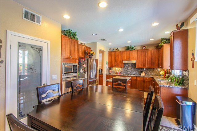 1415 White Cloud Lane, Beaumont CA: http://media.crmls.org/medias/25f8ad05-ab61-48e4-96bd-87cc81b1b158.jpg
