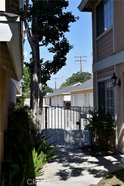 12235 Pine Street, Norwalk CA: http://media.crmls.org/medias/26127328-5d3e-436a-a638-5e0ed243f940.jpg