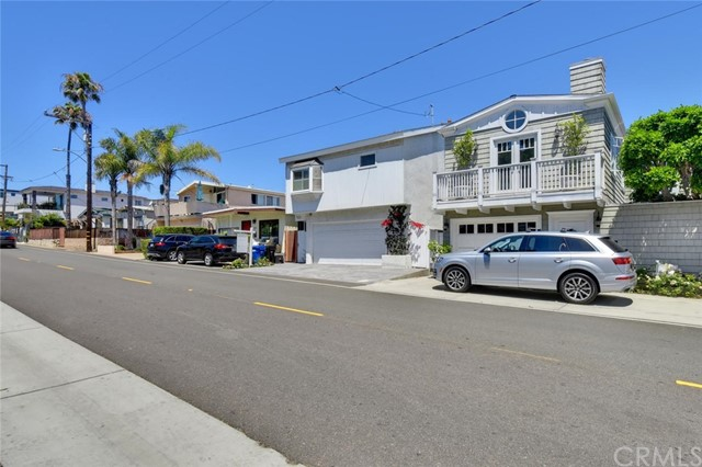 425 Gould Ave, Hermosa Beach, CA 90254 photo 3