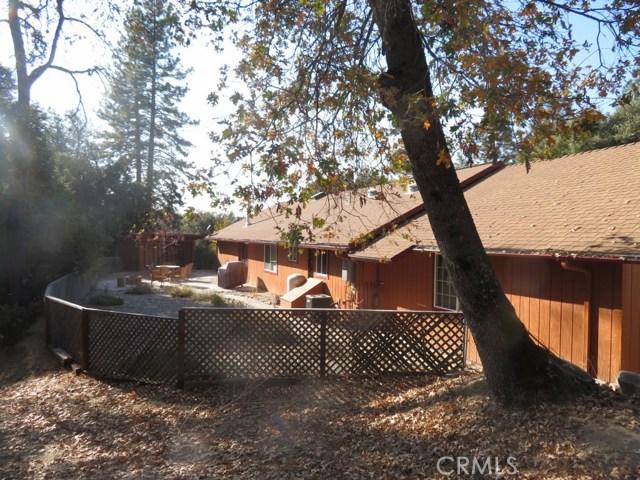 51802 Ponderosa Way, Oakhurst CA: http://media.crmls.org/medias/261a8184-fc31-4aa0-9d41-5a72378717c9.jpg