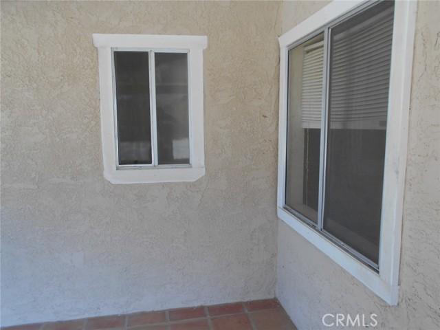 6941 Alpine Avenue, 29 Palms CA: http://media.crmls.org/medias/261a891e-9cc7-4257-9de9-a8adb1074a09.jpg