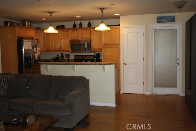 117 Clarissa Avenue, Avalon CA: http://media.crmls.org/medias/263620b0-7f1a-4b98-a3e8-bf15a3e74a84.jpg