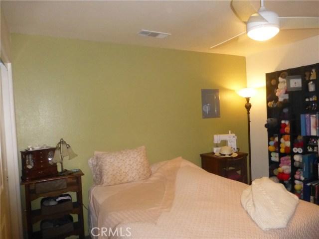 3481 Grant Street, Corona CA: http://media.crmls.org/medias/263a04f8-55b3-4cbb-a274-e09f24195c65.jpg
