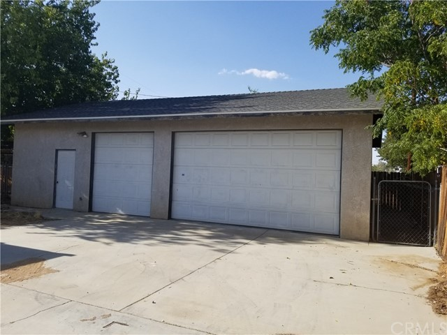 21236 Minnetonka Road, Apple Valley CA: http://media.crmls.org/medias/263bf633-5f5a-4308-b921-582e85ac2ded.jpg