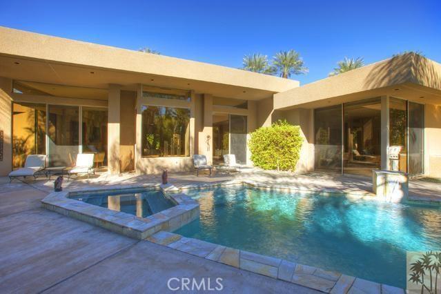 108 Waterford Circle, Rancho Mirage CA: http://media.crmls.org/medias/2642a977-0991-482b-a387-6147785af1d3.jpg