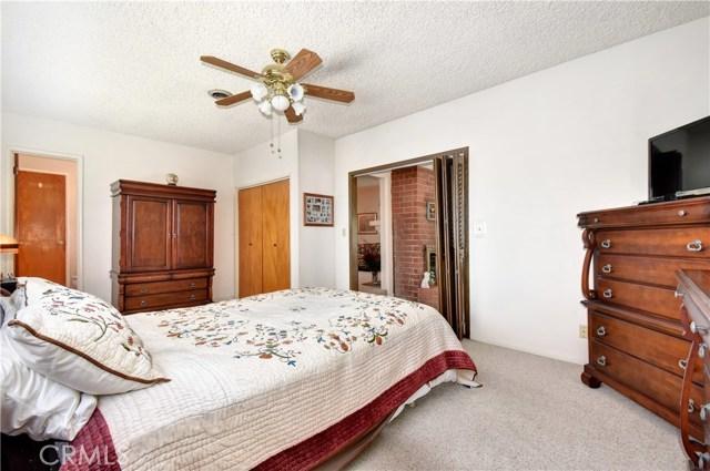 6209 Hungerford Street, Lakewood CA: http://media.crmls.org/medias/26434b36-77ee-435f-b01a-721434ee730c.jpg