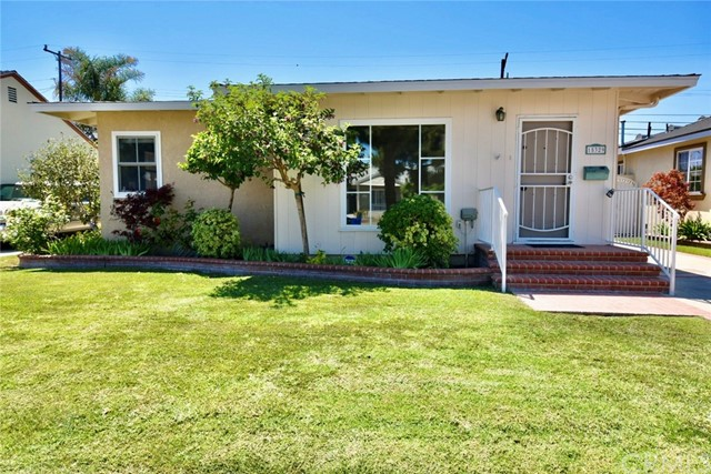 Detail Gallery Image 1 of 1 For 15329 Doty Ave, Lawndale,  CA 90260 - 3 Beds | 1 Baths