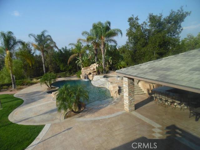 Additional photo for property listing at 935 Randall Ranch Road  Corona, California 92881 United States
