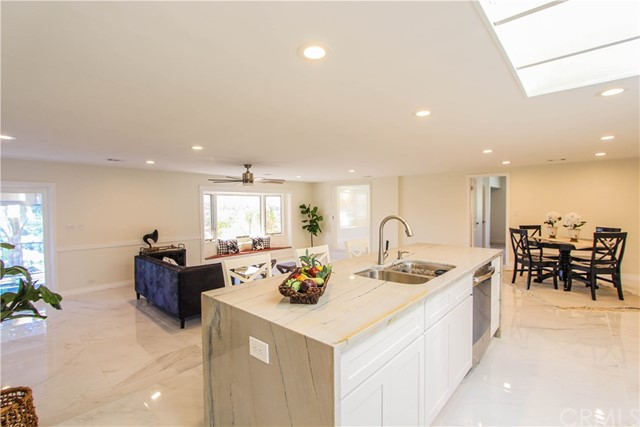 29944 Mayflower Drive, Canyon Lake CA: http://media.crmls.org/medias/265d24ef-2f3d-445b-a30b-a486e10fad42.jpg