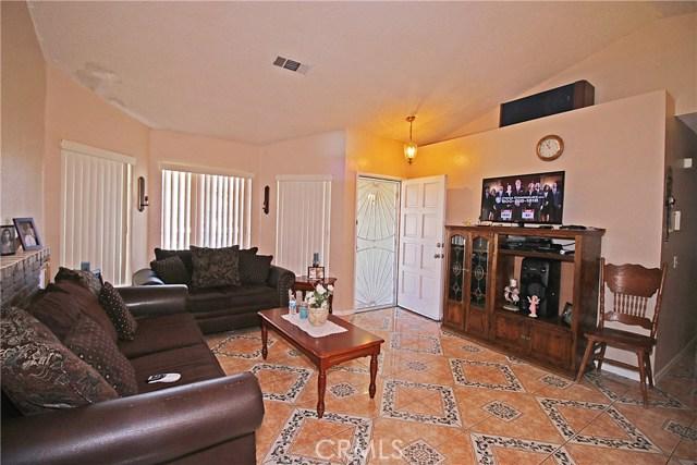 14213 Woodland Drive Fontana, CA 92337 - MLS #: EV17207574