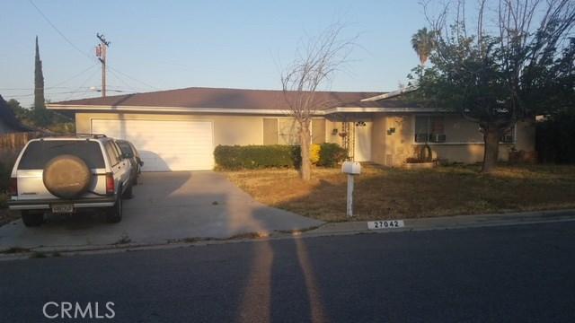 27042 Ramona Vista Street, Hemet CA: http://media.crmls.org/medias/26796522-a7d5-4e30-8b10-434a82f9907f.jpg