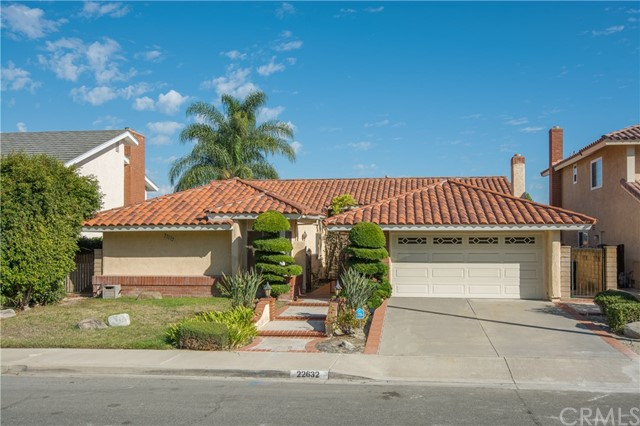22632 Reinosa Mission Viejo, CA 92691 is listed for sale as MLS Listing OC17211014