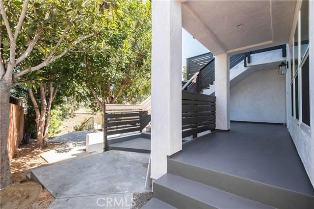 229 W El Portal, San Clemente CA: http://media.crmls.org/medias/26886315-43c7-4aa8-8a48-5890ad8d87bc.jpg
