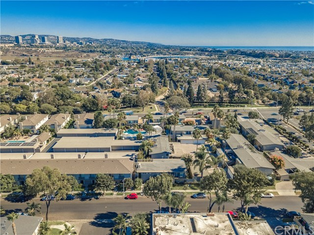 地址: 1018 Buckingham Lane , Newport Beach, CA 92660