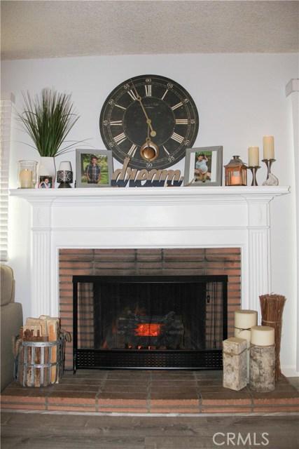 423 W Leeside Street, Glendora CA: http://media.crmls.org/medias/269657e4-0534-46a7-8098-3119a643fa5b.jpg