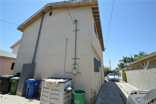 546 Simmons Avenue East Los Angeles, CA 90022 - MLS #: MB18150446