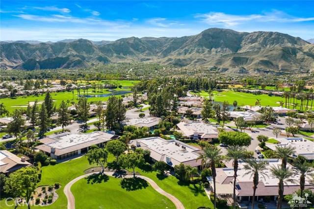 4 Exeter Court, Rancho Mirage CA: http://media.crmls.org/medias/26aeeda5-a502-49d4-8af0-1dff3353eed8.jpg