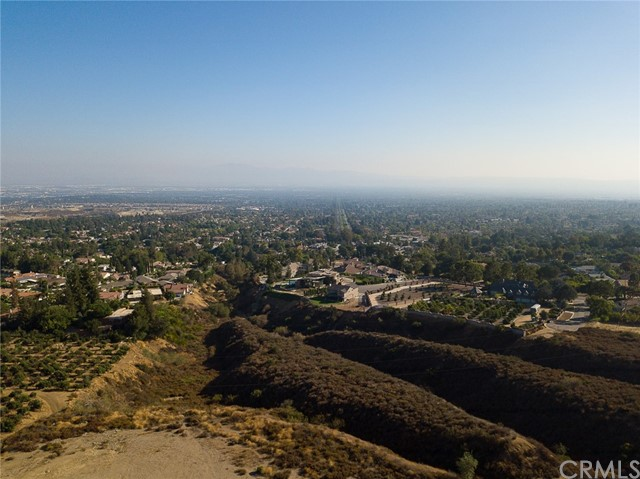19 E 26th Street, Upland CA: http://media.crmls.org/medias/26b92722-a1c2-47ff-aa74-37b7cd947f29.jpg