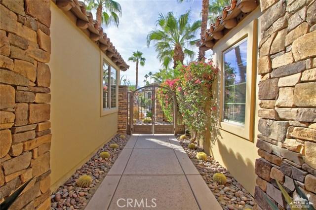 46180 Cypress Estates Court, Palm Desert CA: http://media.crmls.org/medias/26cc0d1b-11b7-4e85-bb25-0608321845f8.jpg