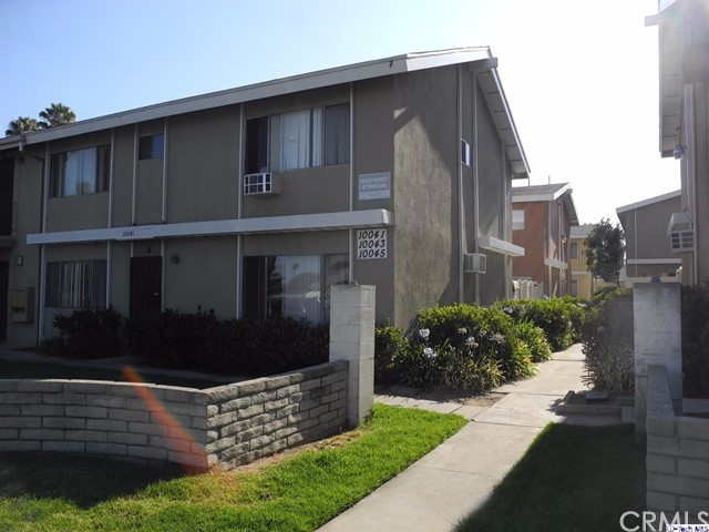 Single Family for Sale at 10045 Sepulveda Boulevard Mission Hills, California 91345 United States