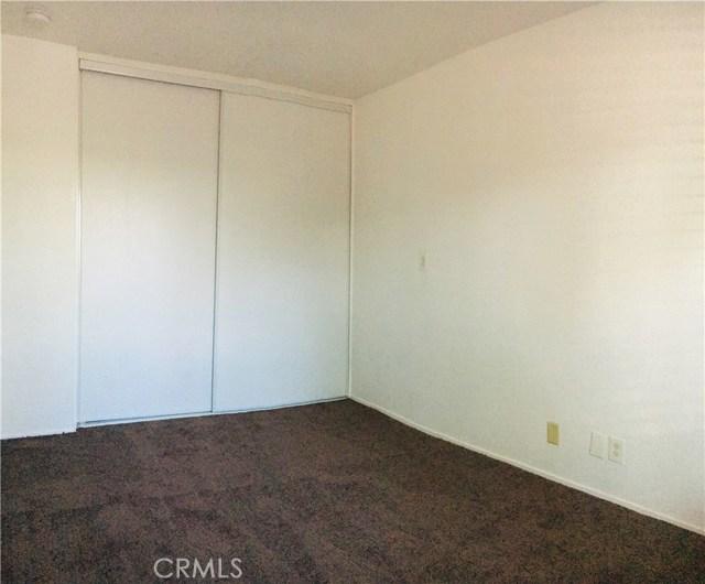 25678 6th Street, San Bernardino CA: http://media.crmls.org/medias/26dd58e6-1fdd-4e8a-a613-c8f1c0fdb5f7.jpg