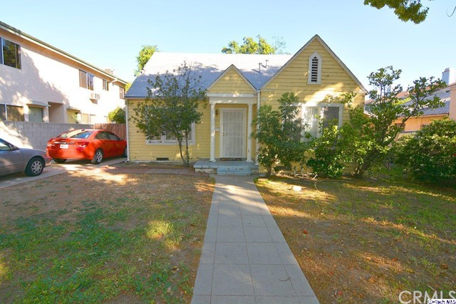 Single Family Home for Sale at 1040 Ruberta Avenue Glendale, California 91201 United States