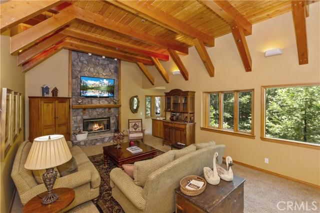 27537 W Shore Road, Lake Arrowhead CA: http://media.crmls.org/medias/26e4525f-3066-4b72-baa4-779143429ee3.jpg