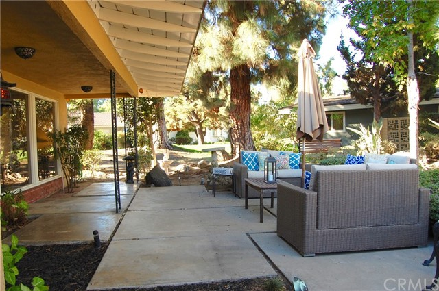 Single Family Home for Sale at 14321 Willow Lane Tustin, California 92780 United States