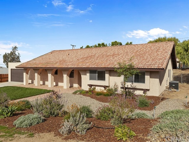 221 Mount Shasta Dr, Norco, CA 92860 Photo
