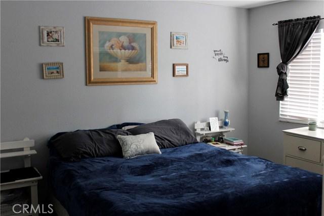 40824 Stetson Avenue, Hemet CA: http://media.crmls.org/medias/27021b78-b776-459e-b442-4c95aad6d2f5.jpg