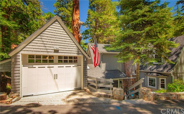 27844 Greenway Dr, Lake Arrowhead, CA 92352 Photo