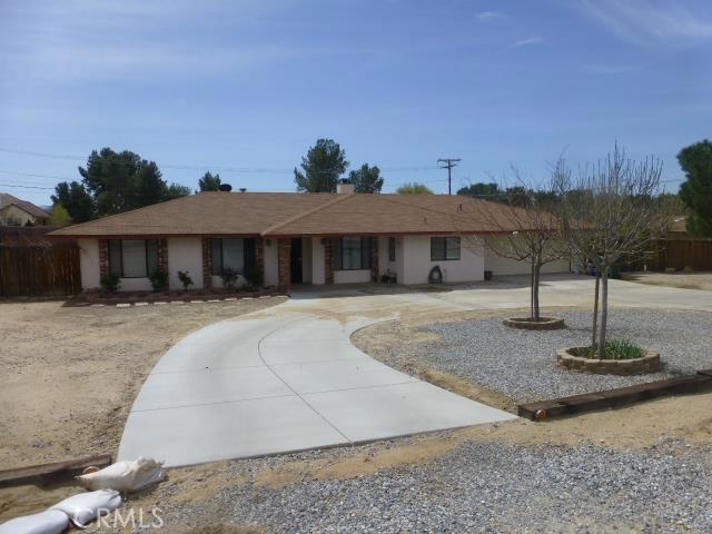 17957 Symeron Road Apple Valley CA  92307