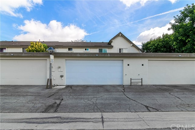 9753 Karmont Avenue, South Gate CA: http://media.crmls.org/medias/271494a3-c27f-4311-b903-3c79c31208a0.jpg
