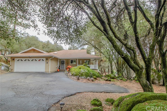 40327 Redbud Dr, Oakhurst, CA 93644 Photo