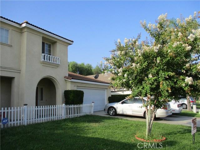 247 E Kimberly Court, San Bernardino CA: http://media.crmls.org/medias/27358ffa-6849-43c7-b14d-7273c966457e.jpg